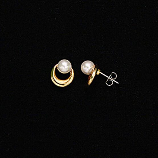 2 Pearl earrings with gold half on black background with moon rim